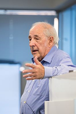 John Searle speaking at Google 5.jpg