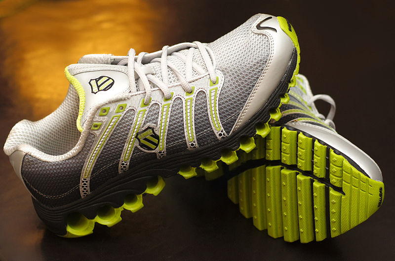File:K-Swiss Tubes Run 100 running shoe.JPG