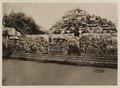 KITLV 40019 - Kassian Céphas - Reliefs on the terrace of the Shiva temple near the stairs to the Guru Chapel of Prambanan near Yogyakarta - 1889-1890.tif