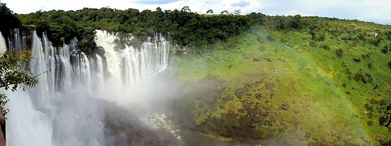 Ficheiro:Kalandula Falls Pan.jpg