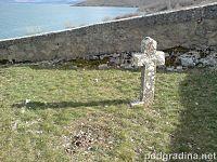 Kameni križ kraj crkvice sv. Ilije, Rešetarica.01990.JPG