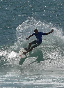 Kelly Slater US open of surfing competitor