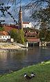Kleine Isar und St. Martinskirche, Landshut.jpg