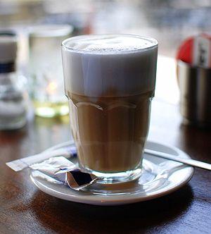 """A """"koffie verkeerd"""" in Amsterdam"""
