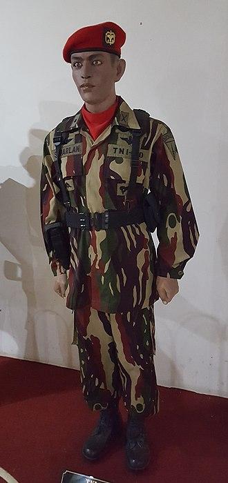 Kopassus - Uniform of Kopassus with the Darah Mengalir Camouflage Pattern (Loreng Darah Mengalir)