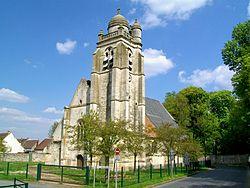 La Chapelle-en-Serval (60), église.jpg