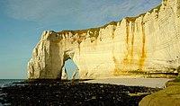 La Manneporte-Etretat-Normandie.jpg