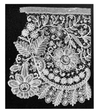 Brussels lace - Duchesse, 19th, detail
