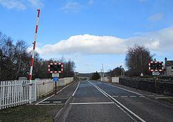 Lairg level crossing (13175375713).jpg
