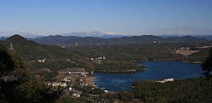 Lake Iruka - Image: Lake Iruka from Owari Hakusan 2011 01 02