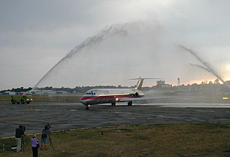 Erie International Airport - The last DC-9 to fly for US Air arriving at Erie International Airport