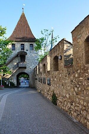 Laufen Castle (Switzerland) - Image: Laufen Uhwiesen Schloss Laufen 2010 06 24 19 46 50 Shift N