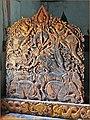 Le porte-luminaires dans le sanctuaire du Vat That Luang (Luang Prabang) (4330313609).jpg