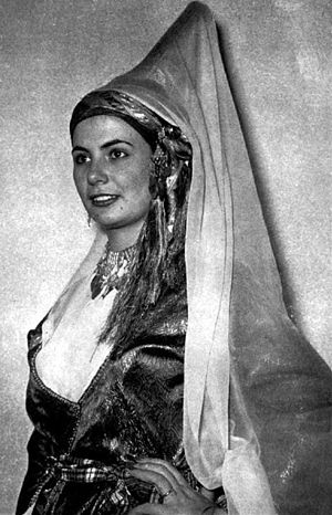 Tantour - Recreated costume of a Lebanese princess from the nineteenth century, including a tantur