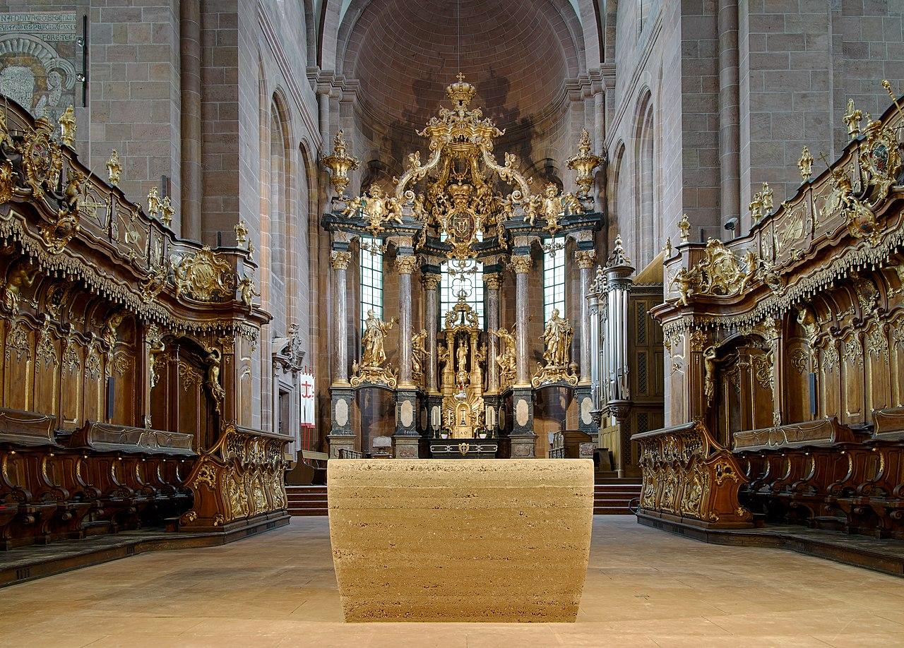 Lehm-Altar.jpg