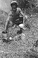 Lid patrouille bezig met koken, Bestanddeelnr 8-6-3.jpg