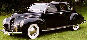 Lincoln-Zephyr - Image: Lincoln Zephyr V12 4 D Sedan 1938 2