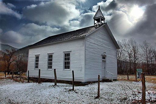 Little-white-country-church - Virginia - ForestWander