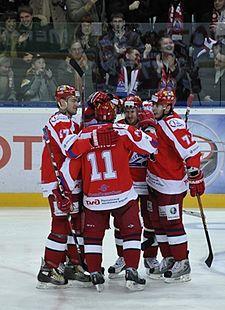 Локомотив хоккейный клуб москва официальный фото клуба сохо в москве