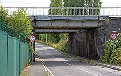 Lower Road railway bridge 2.jpg