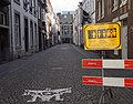 Maastricht - Minckelersstraat met coronawaarschuwingsbord 20200607.jpg