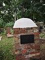 Magdalenowo, grób proboszcza - panoramio.jpg