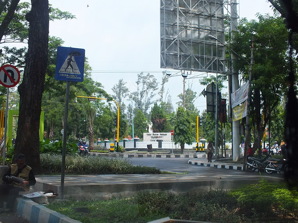 File Malang Malang City East Java Indonesia Panoramio Jpg Wikimedia Commons