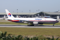 Malaysia Airlines Boeing 777-200ER (9M-MRD) at Kuala Lumpur International Airport.png