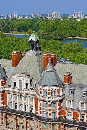 Mandarin Oriental Hyde Park, London - Image: Mandarin Oriental London Exterior Aerial