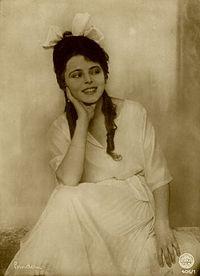 Manja Tzatschewa 1922 by Alexander Binder.jpg
