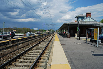 Providence/Stoughton Line - Platforms and station building at Mansfield