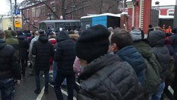 Αρχείο:March on Strastnoy boulevard, Moscow, at the protest on the 2021, 23rd of January.webm