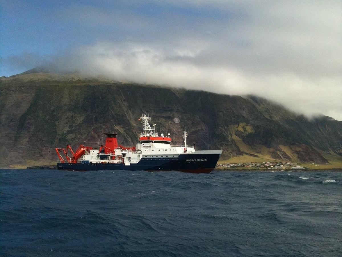 File:Maria S. Merian vor Tristan da Cunha.jpg - Wikimedia Commons