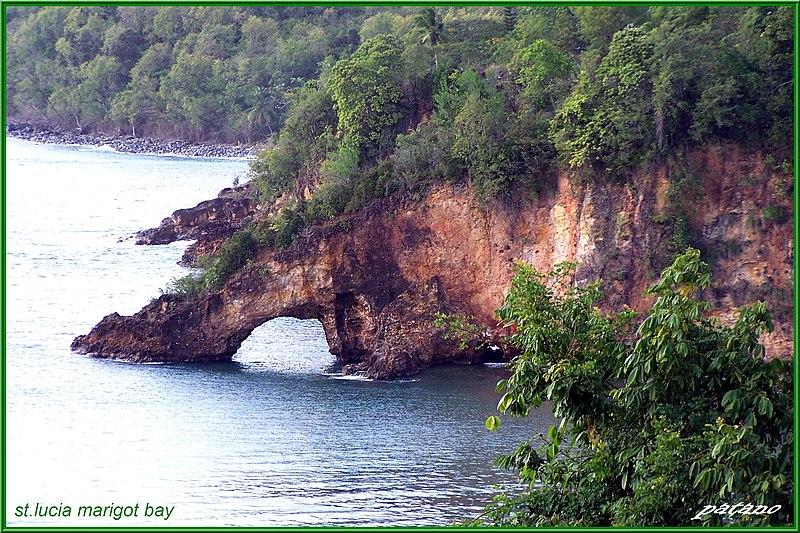 File:Marigot bay - panoramio - patano.jpg