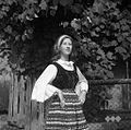 "Marjana Kramar v ""ošpetlju"" (bluza z rokavi). Mirna 1961.jpg"
