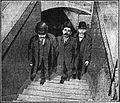 Mattis entre deux agents de la Sûreté (Le Matin, 1908-12-26).jpg