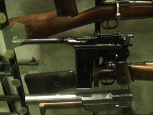 Mauser C96 - Mauser M712 Schnellfeuer