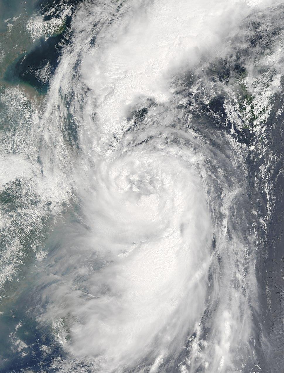 Megi 2004-08-18 0206Z