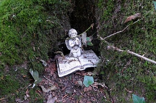 Memorial Angel in Weston Woods