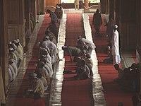 Salat à la mosquée Jama Masjid de Delhi, Inde