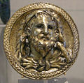 Met, greek, hellenistic, silver-gilt roundel with a bust of herakles, 03rd BC-01st AD ca..JPG