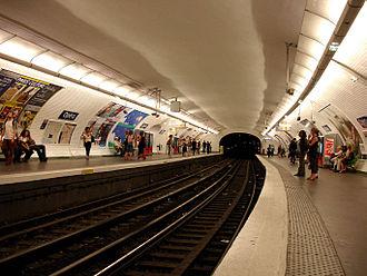 Opéra (Paris Métro) - Image: Metro de Paris Ligne 7 Opera 01