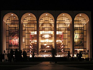 Metropolitan Opera House (Lincoln Center) - Metropolitan Opera House seen from Lincoln Center Plaza
