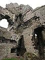 Middleham castle - remains.jpg