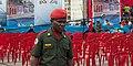 Militar formando el cordón de seguridad.jpg