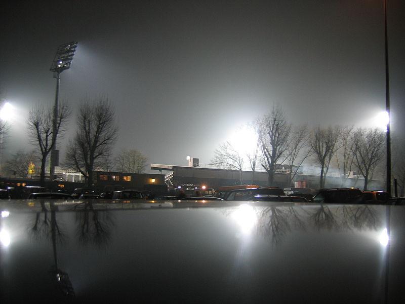 [ALL] FC Sankt Pauli (2.Bundesliga) 800px-Millerntor-Stadion-Hamburg