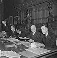 Ministerraad. Vlnr secretaris van de ministerraad P. Sanders , W. Schermerhorn , Bestanddeelnr 900-8597.jpg