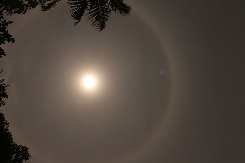 File:Moon Ring Seen from angamaly, kerala -6.JPG