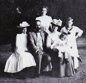 Louis Mountbatten, 1st Earl Mountbatten of Burma - Princess Victoria of Hesse and by Rhine, Prince Louis of Battenberg and their four children Princess Alice, Princess Louise, Prince George and Prince Louis.