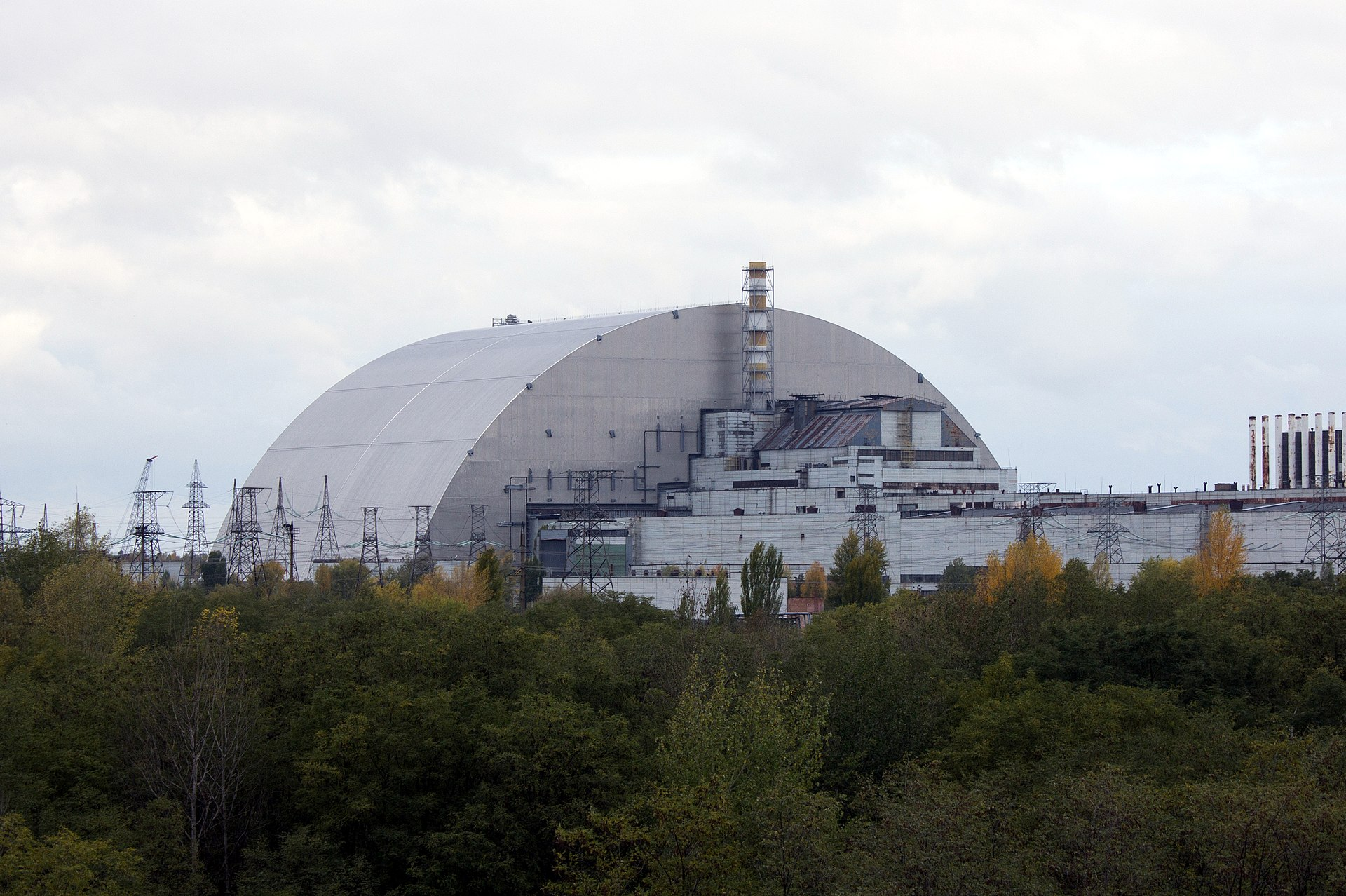 New Safe Confinement in October 2017